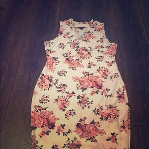 Beautiful floral detailed dress